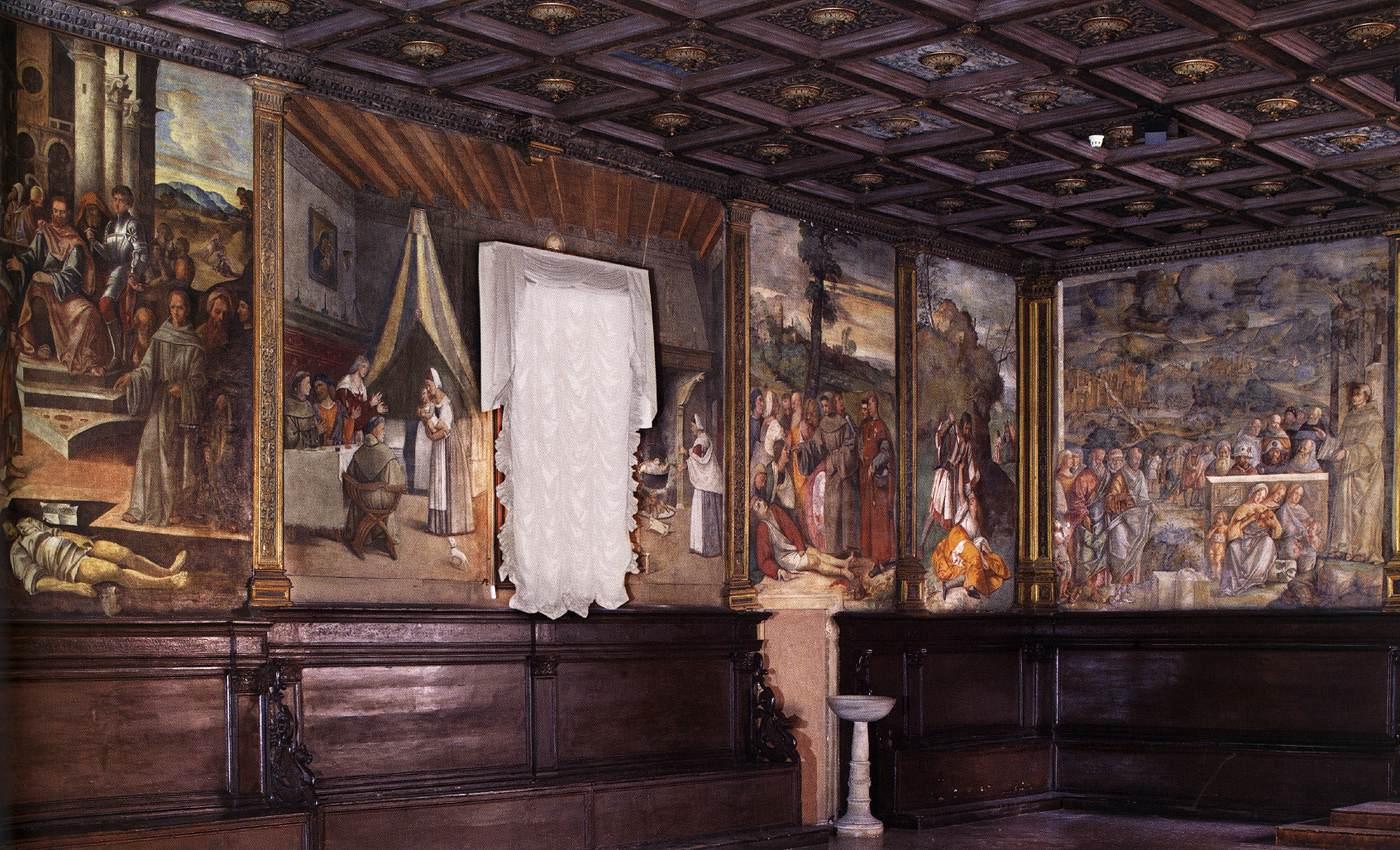Вид на Залу Капитоларе (Capitolare) - Разное фото