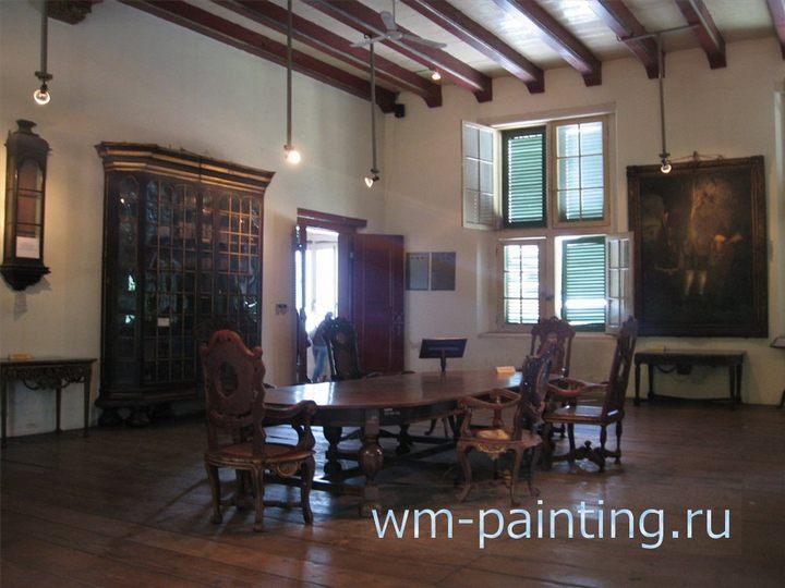 Зал судебных заседаний. Мебель подлинная XVIII века.