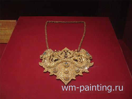 Шейное украшение со змеями. Золото, бриллианты. Восточный Калимантан. XIX век.