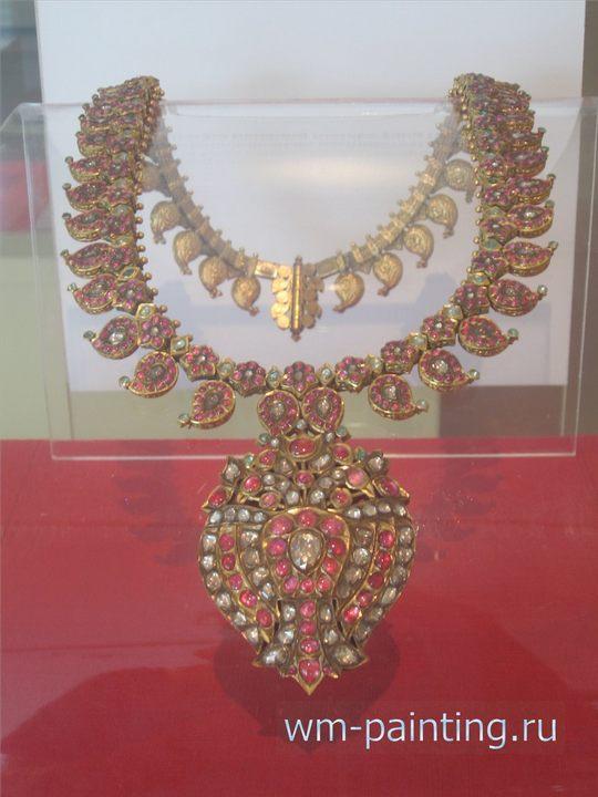Шейное украшение. Золото с драгоценными камнями. Южная Индия. XVIII век.