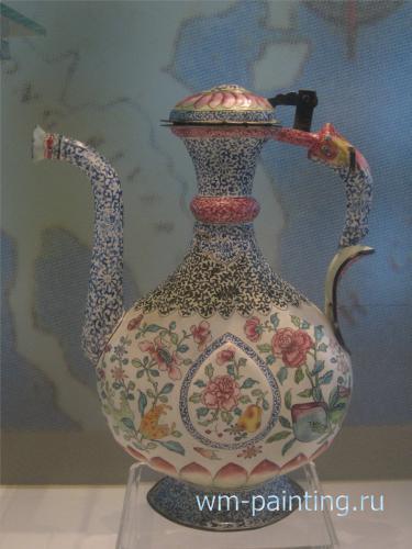 Сосуд для воды. Многоцветная эмаль. Китай. XVIII век. Музей искусства Ислама. Куала Лумпур