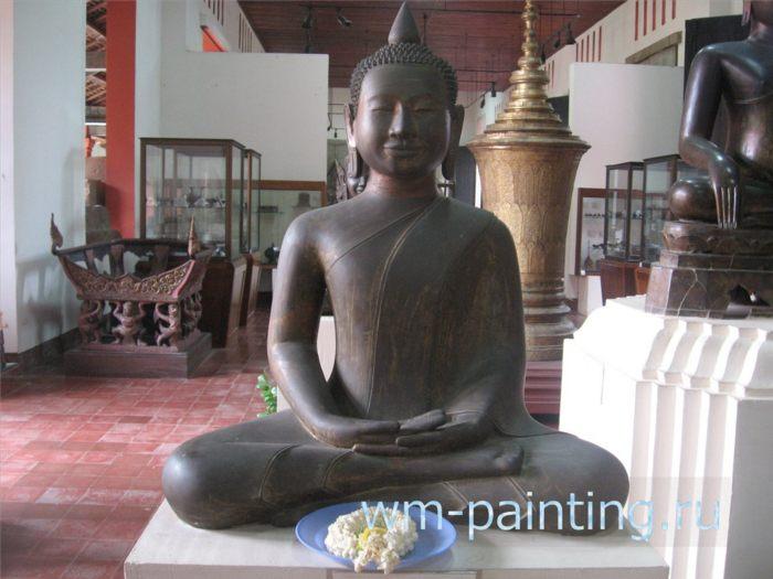 Будда под защитой Нагов. XII век. Ангкорский период. Стиль Ангкор ват. Песчаник. Баттамбанг.
