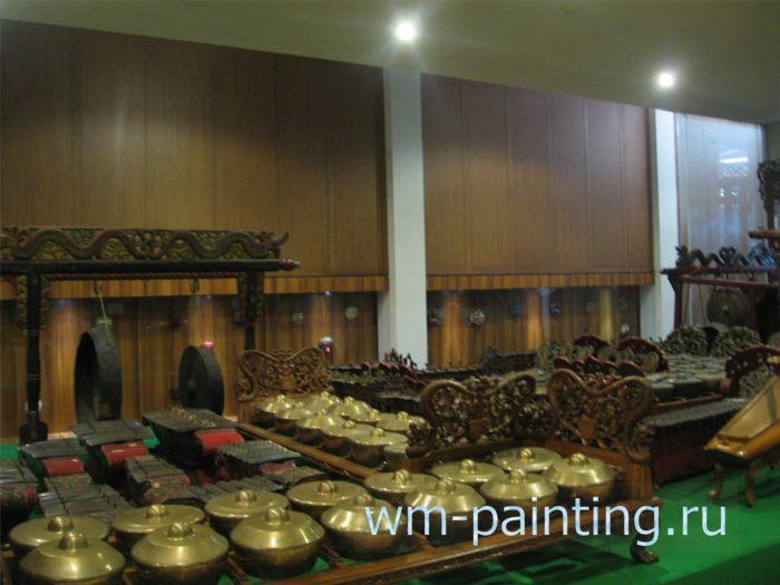 Оркестр гамелан - Музей кукол театра Ваянг, Джакарта, Индонезия.
