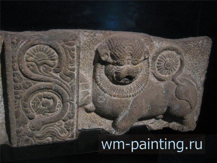 Фриз храма в Канди. ХVIII век.  - Коломбо. Национальный Музей, Шри-Ланка.