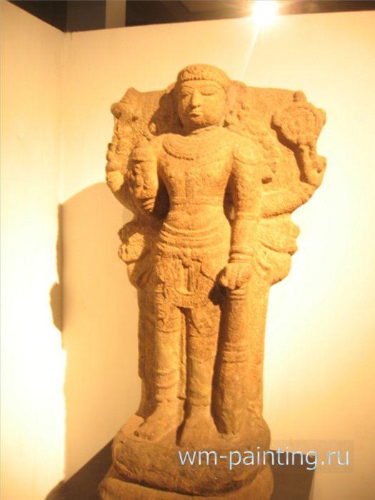 Бог Вишну. Поллонарува. XII в. - Коломбо. Национальный Музей, Шри-Ланка.