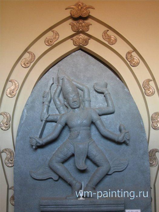 Изображение Бога Шивы. Современная чамская скульптура - Музей и центр культуры народа Чам, Вьетнам