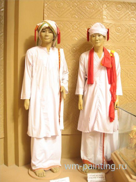 Костюмы религиозных лидеров народности Чам Баламон.