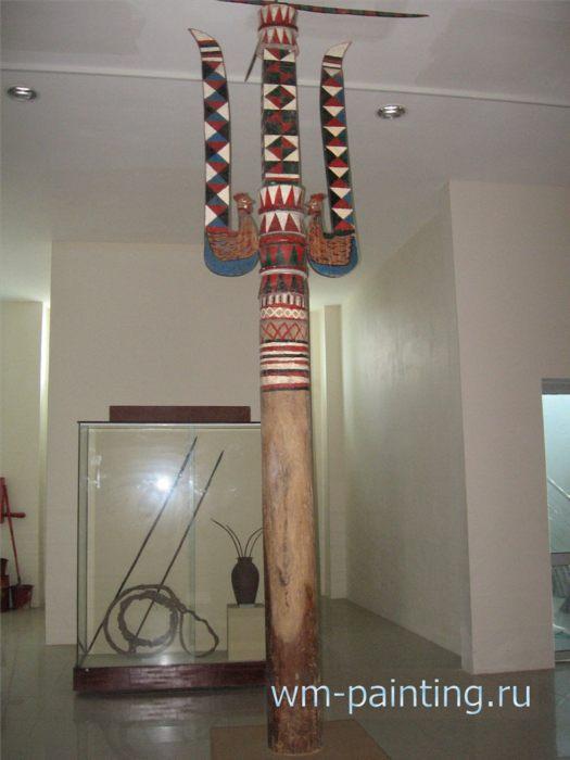 Музей города Дананг - Ритуальный столб в центре деревни Кату