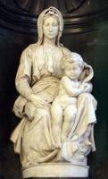 Мраморная статуя Мадонны с младенцем (Madonna and Child) в Брюгге, Бельгия (1504)